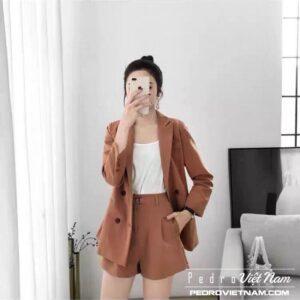 Cách phối áo vest nữ dáng dài đẹp mê mẩn cho các cô nàng công sở
