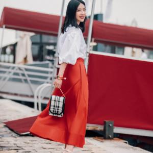Gợi ý  5 cách phối áo với chân váy xòe giúp nàng tỏa sáng