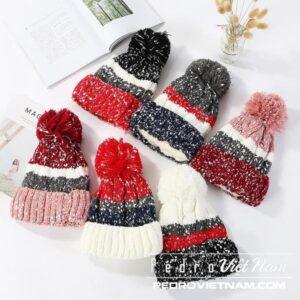 Đánh giá Top 4 mũ len nữ đẹp nhất cho chuyến du lịch Đà Lạt của bạn mùa lạnh