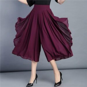 Phối quần voan ống rộng như fashionista