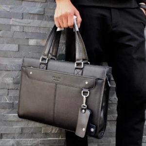 7 mẫu túi xách nam hàng hiệu Prada siêu HOT hiện nay
