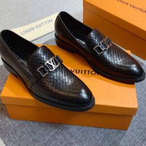 Tổng hợp giá một số mẫu giày Louis Vuitton chính hãng hiện nay