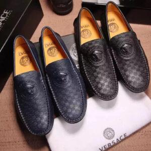 Mách bạn địa chỉ mua giày Versace uy tín nhất