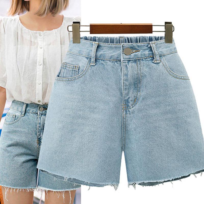 Quần short jean nữ luôn là cảm hứng mix đồ của số đông chị em phụ nữ