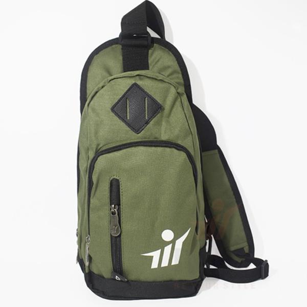 Túi đeo chéo thể thao tại Cửa hàng M17