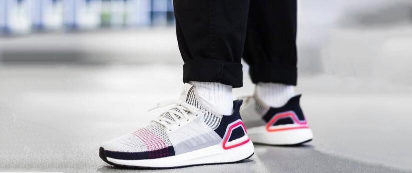 Làm thế nào để mix-match giày thể thao với các món đồ thời trang khác?