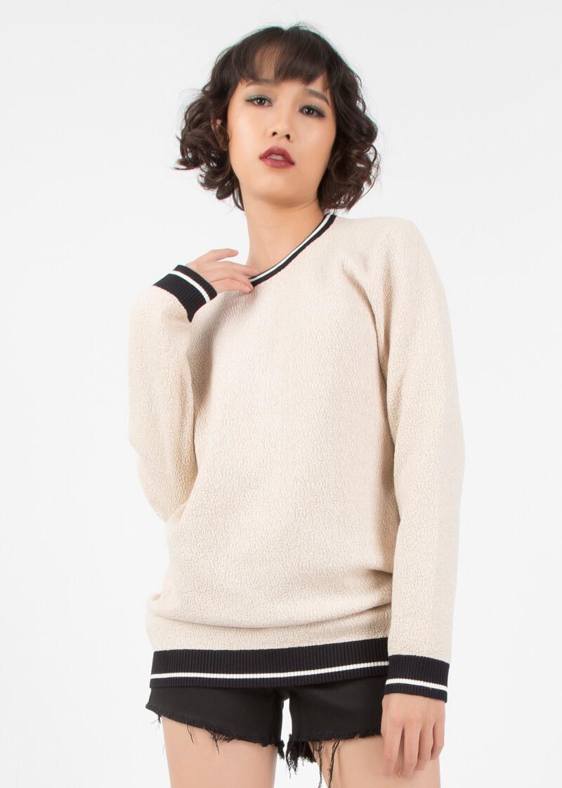 Áo sweater là gì? Cùng Pedro Việt Nam tìm hiểu về áo sweater