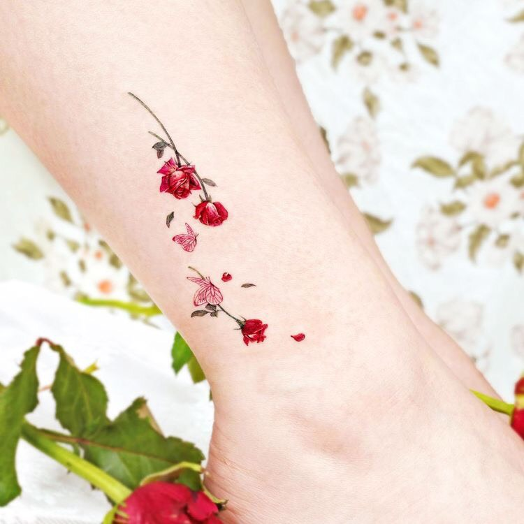 Hình xăm bàn chân cho nữ (52)