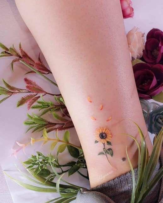 Hình xăm ở chân cho nữ (61)