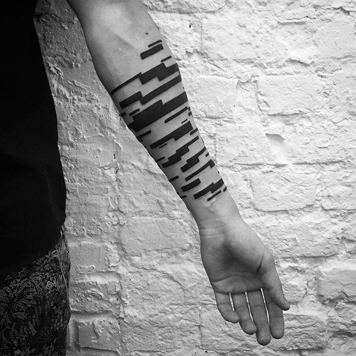 Hình xăm cổ tay cho nam (12)