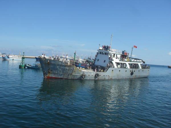 Thuyền ra đảo Phú Quý