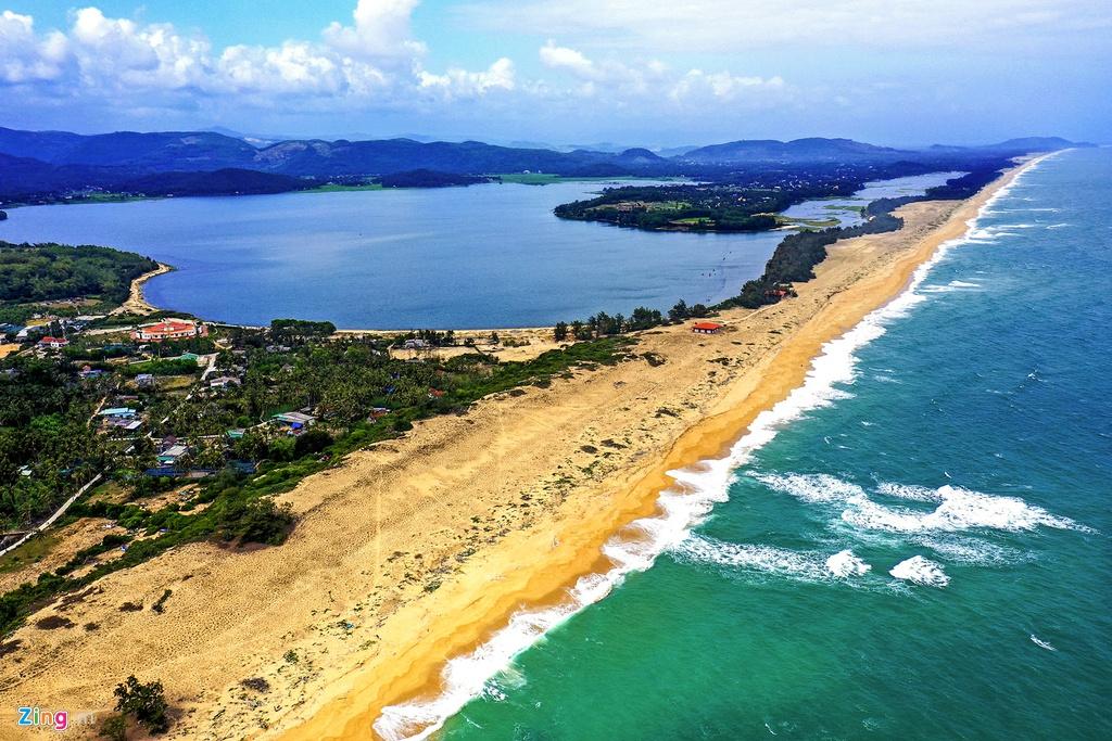 Top 2 Resort Sa Huỳnh giá rẻ view biển đẹp có bãi biển riêng tốt nhất