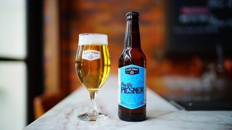 Barret Craft Beer: Pacific Pilsner: sự pha trộn hoàn hảo giữa lúa mạch Bohemian và hoa bia New Zealand;  Thêm vào đó là hương thơm của hoa hồng và chanh ngọt ngào.