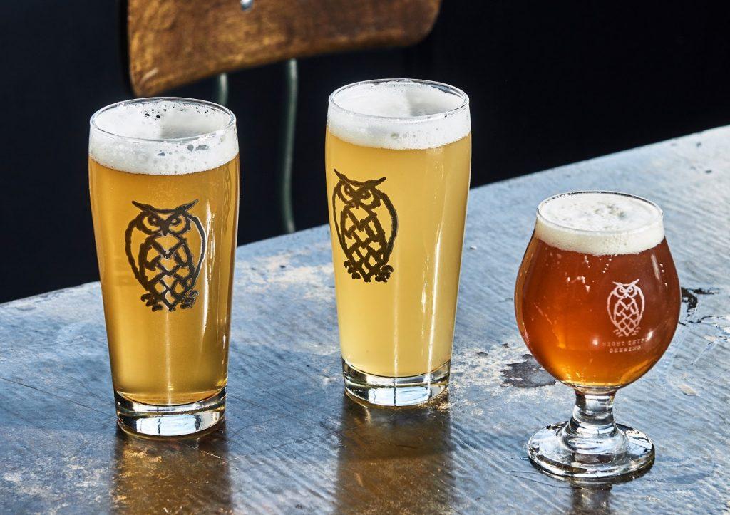 Bia thủ công dòng Plantinum: Keller Unfiltered Pale Ale: hương vị nhẹ nhàng sảng khoái, cam quýt đậm và thông tươi.  Dư vị nhiệt đới ngọt ngào nơi cổ họng.