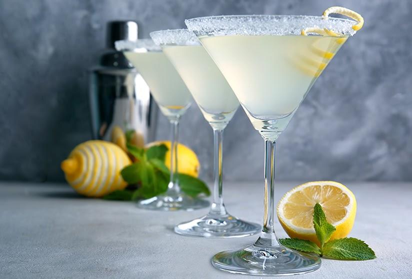 Lemon Drop Martini sảng khoái trong cổ họng