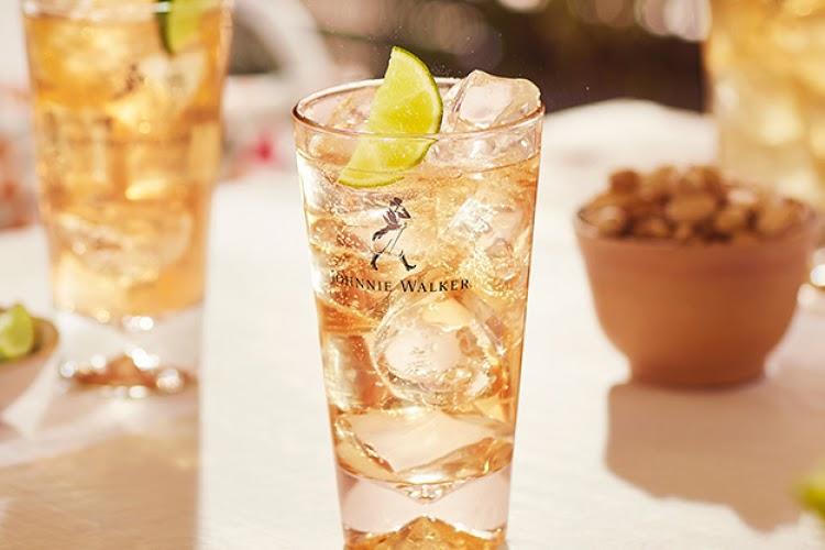 Hay một ly Johnnie Ginger với hương gừng thơm nhẹ cũng hấp dẫn không kém