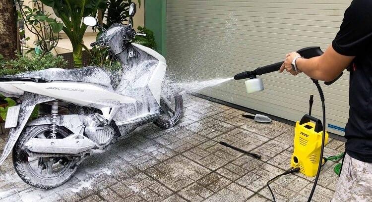 Lợi ích khi sử dụng máy rửa xe cho gia đình