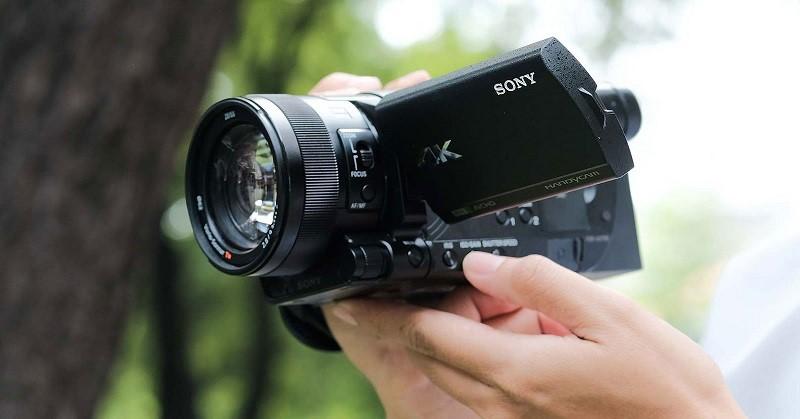 Tại sao nên sử dụng máy cầm tay quay phim