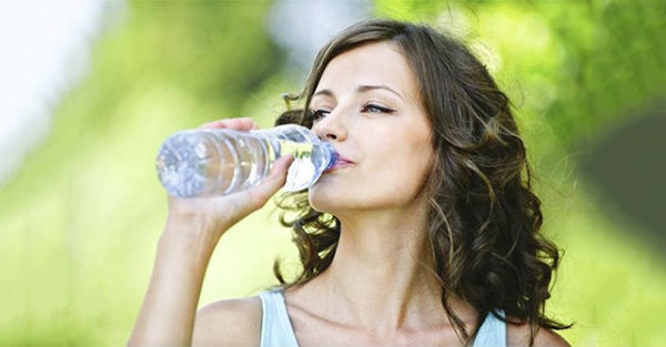 Uống thật nhiều nước