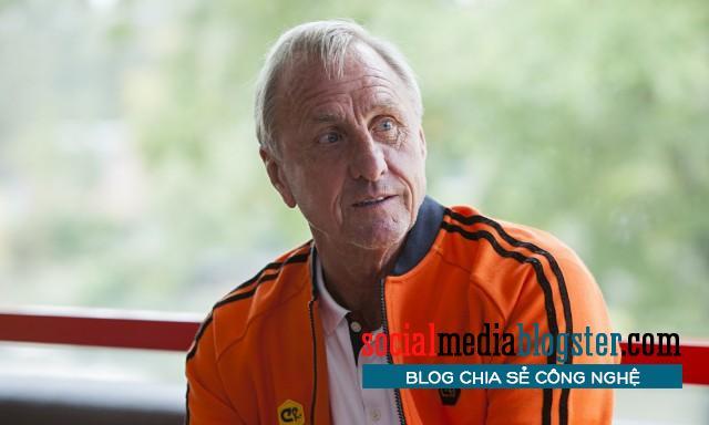 Johan Cruyff với tôn giáo bóng đá rất riêng.