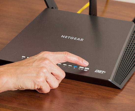 Khởi động lại bộ định tuyến wifi nhà bạn