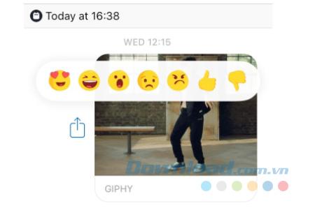 Sử dụng biểu tượng cảm xúc khi nhắn tin