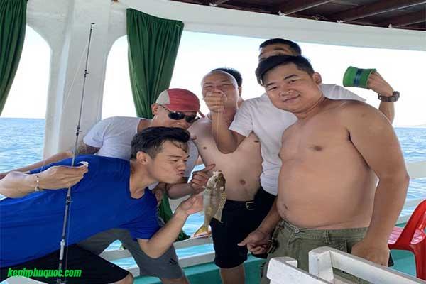 Đánh giá tour Hòn Móng Tay - Hòn Dăm Ngang