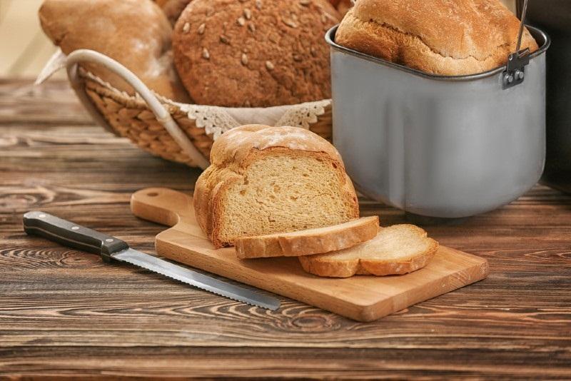 Mua máy làm bánh mì của hãng nào tốt nhất?