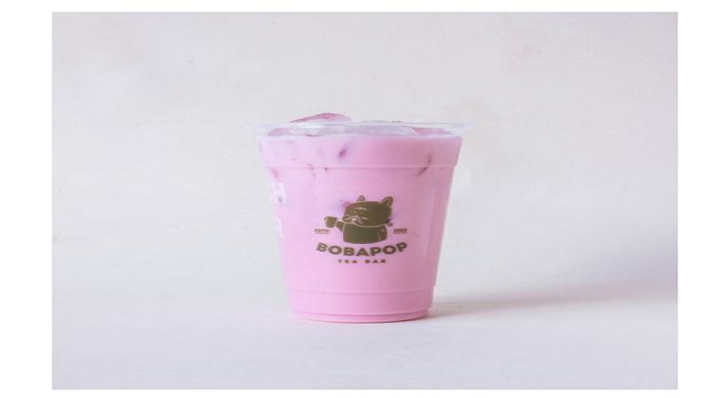 Trà sữa hạt sen là một trong những món bạn nên thử nếu đến Bobapop lần đầu