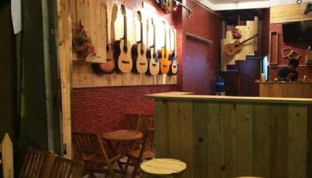 Không gian ấm cúng tại quán Gõ Cafe