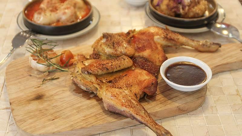 Đồ ăn tại nhà hàng Chân Việt
