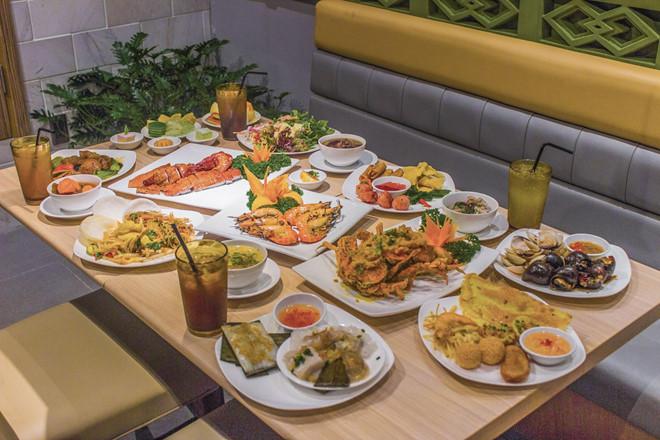 Đồ ăn tại Hoàng Yến buffet