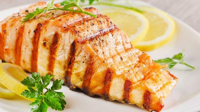 Cá hồi nướng đẹp mắt