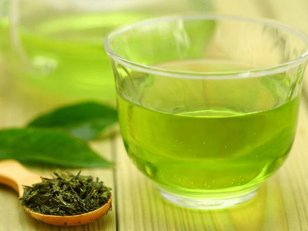 Making Thai Nguyen tea Western style