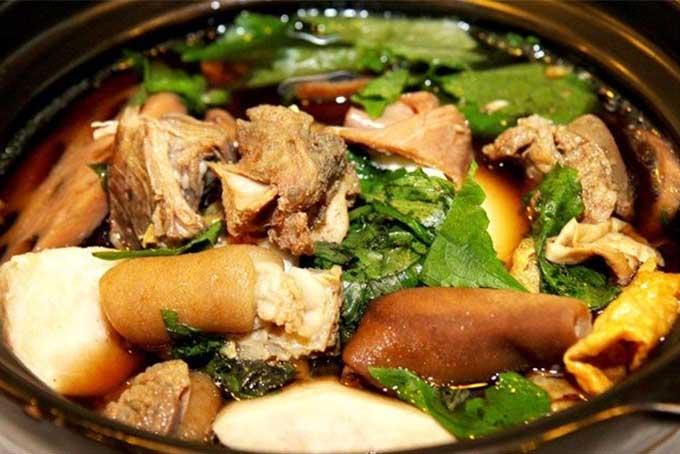 Đồ ăn ở nhà hàng Núi Ngư rất tươi ngon