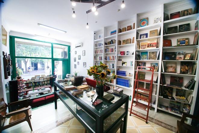 Quán cà phê sách được thiết kế theo lối kiến trúc Đông - Tây