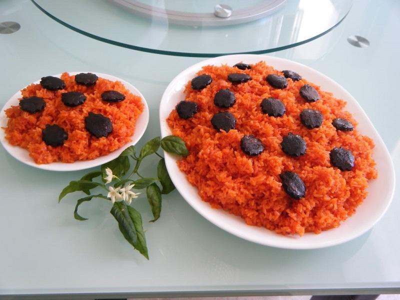 Món xôi gấc thơm ngon, bổ dưỡng được nhiều gia đình yêu thích