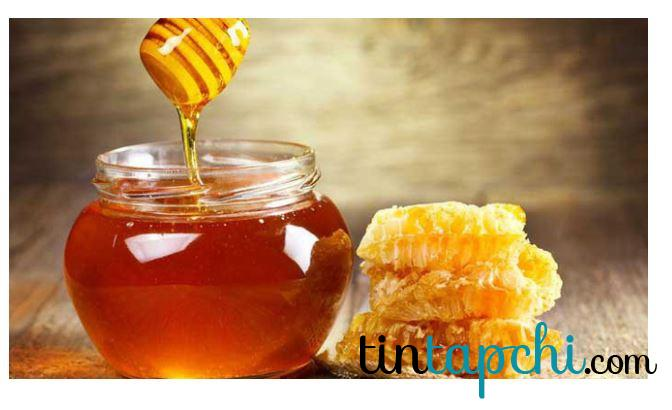 Mật ong cũng hoạt động như một loại đường giúp giảm vị mặn