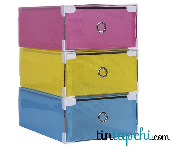 Có một hộp trong suốt và một hộp có thể nhìn thấy nhiều màu để lựa chọn