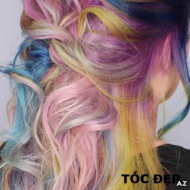 Cô gái làm tóc tại Neo Image
