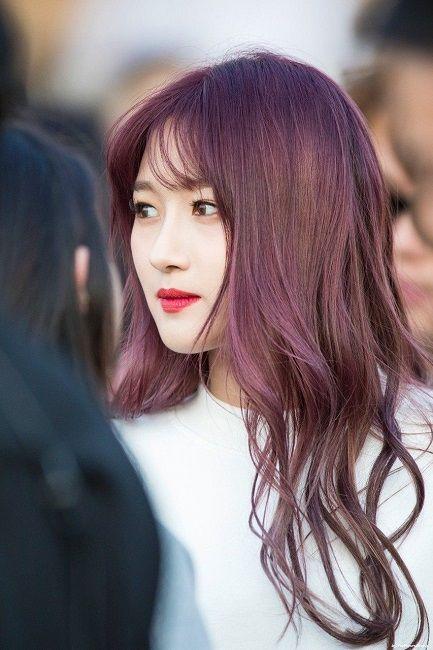 Màu nhuộm nâu đỏ tím.