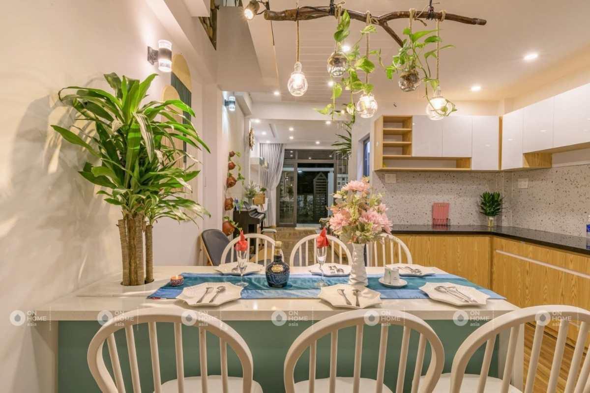 Thiết kế phòng bếp nhà phố 4 tầng xinh xắn