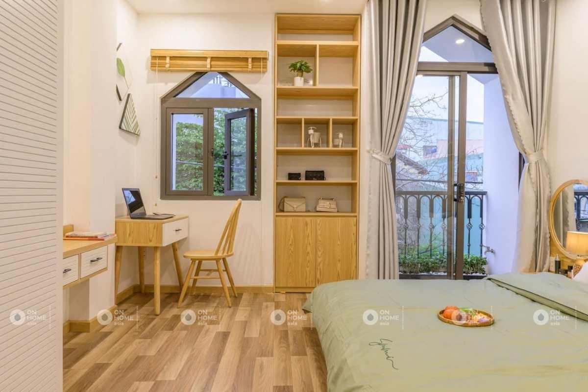 Phòng ngủ với đầy đủ nội thất