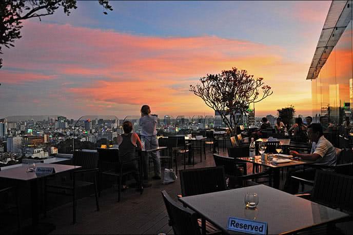 Top 5 quán ăn có view đẹp và lãng mạn nhất Sài Gòn ảnh 5