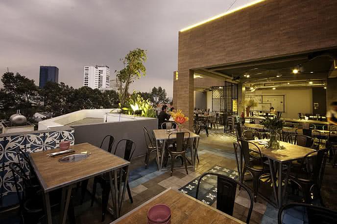 Top 5 nhà hàng có view đẹp và lãng mạn nhất Sài Gòn ảnh 1