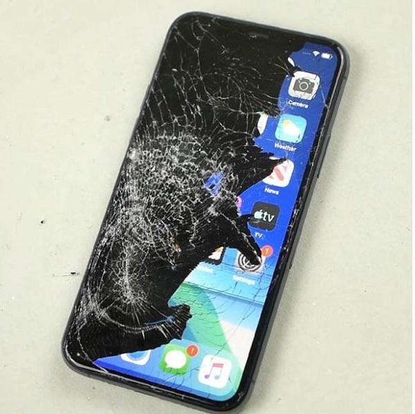iPhone 11 Pro Max bị hư phần cứng