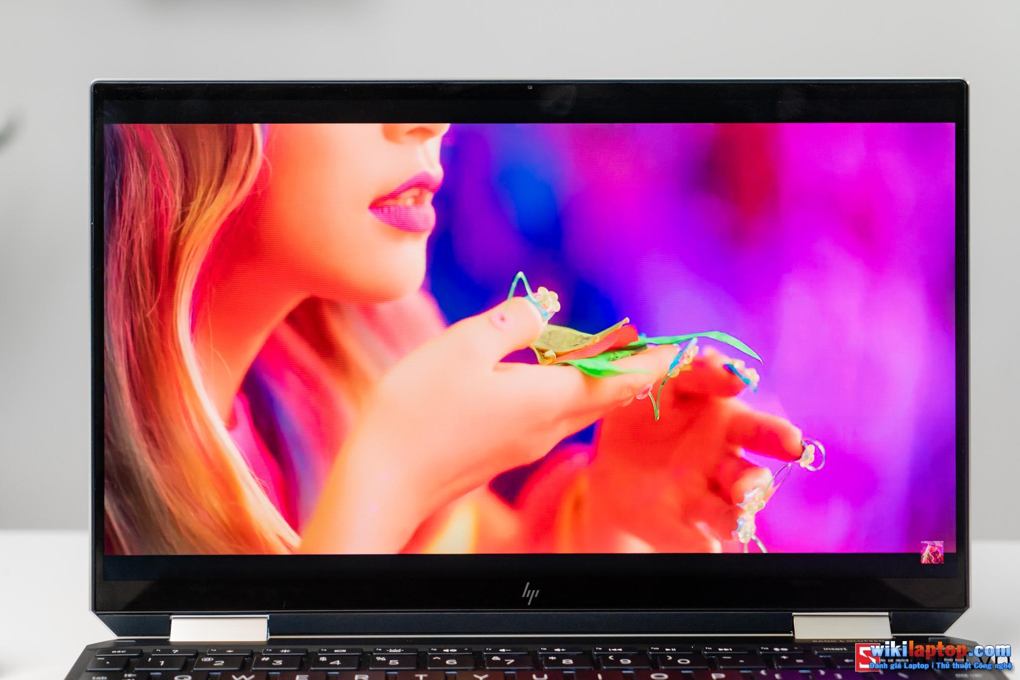 Sforum - Trang thông tin công nghệ mới nhất CPS-HP-Specter-X360-13-76 Đánh giá chi tiết HP Spectre x360 13: Cái gì bên trong một chiếc Laptop có giá gần 50 triệu HP?