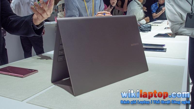 Sforum - Trang thông tin công nghệ mới nhất VVVDWgDqhSoHvgGe6LpZ3g So sánh Samsung Galaxy Book S và Microsoft Surface Pro 6: Thiết bị nào phù hợp với bạn?