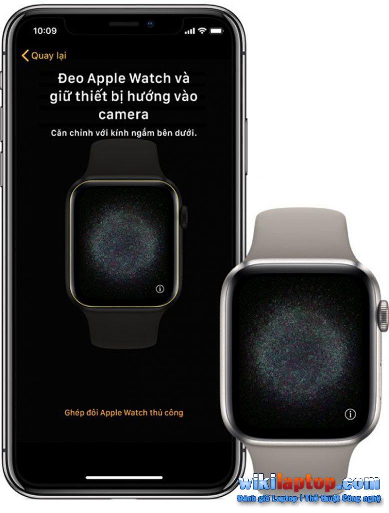 Đặt camera Apple Watch đối diện với 2 thiết bị ghép nối